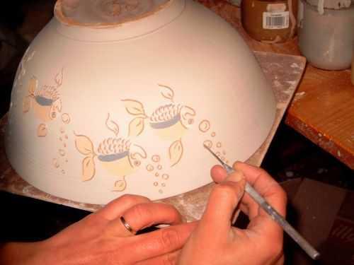 poterie mireille chopin poteries artisanales fa ence d cor e sur mail blanc et sur engobe. Black Bedroom Furniture Sets. Home Design Ideas